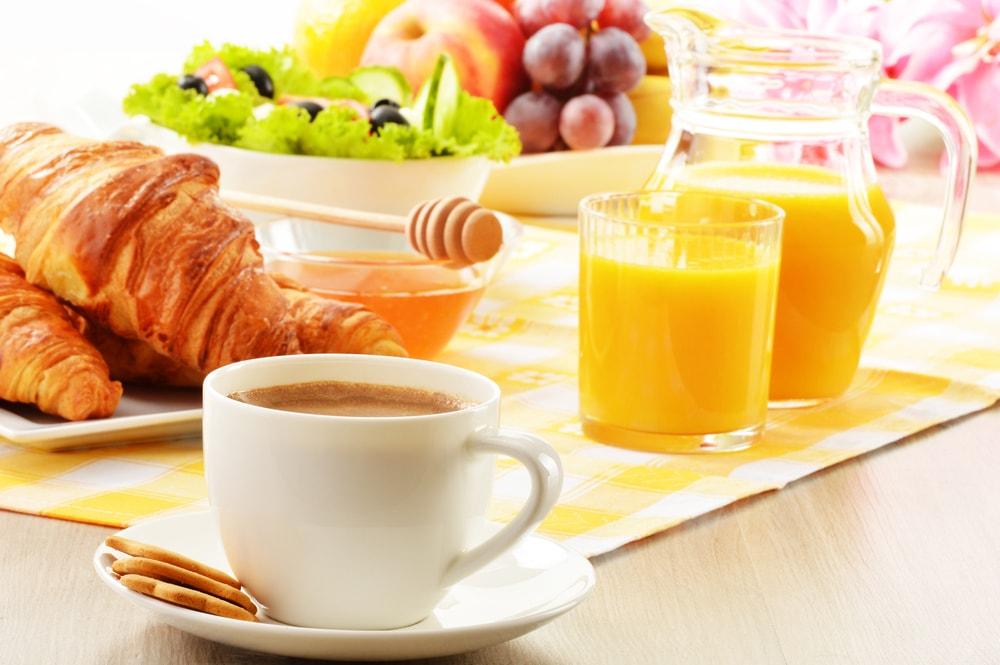 Hotellfrukost juice