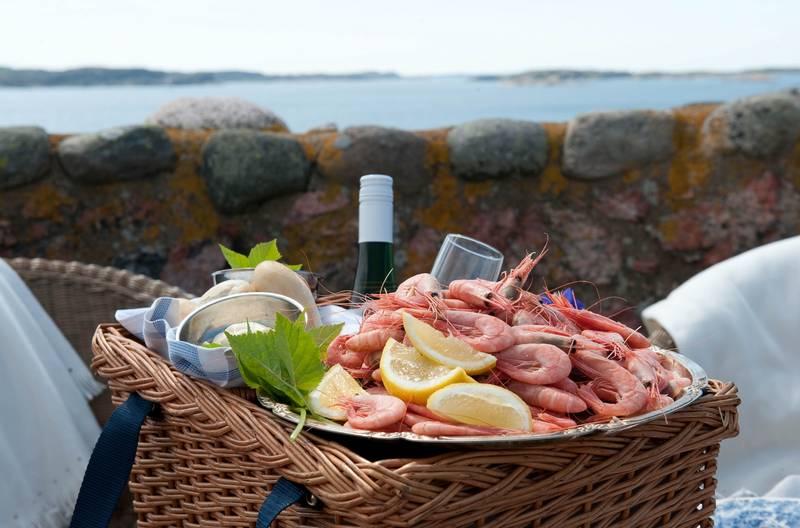 skaldjur serveras på strandflickornas havshotell i Lysekil